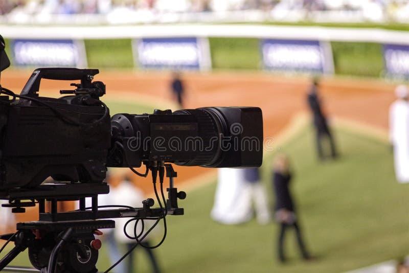 Videocamera digitale professionale cinepresa di televisione in un avvenimento sportivo fotografia stock libera da diritti