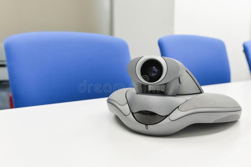 Videoconferentieapparaat in de vergaderzaal stock afbeeldingen