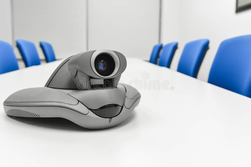 Videoconferentieapparaat in de vergaderzaal royalty-vrije stock afbeelding