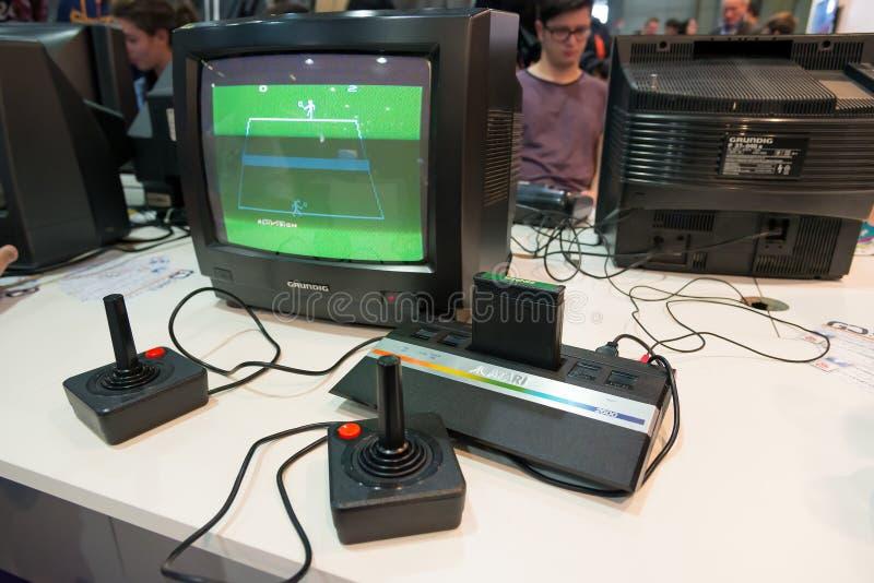 Videogames clássicos na semana 2014 dos jogos em Milão fotos de stock