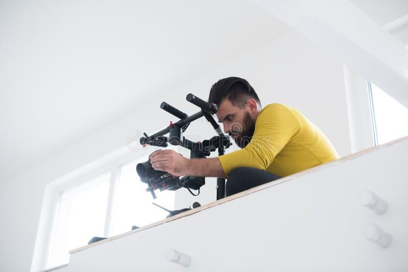 Videographer en el trabajo fotos de archivo libres de regalías