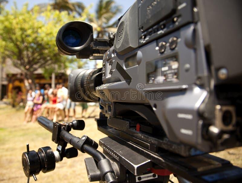 Videokameralinse - Aufnahmezeigung in Fernsehen lizenzfreie stockbilder