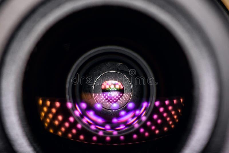 Videokameralinsennahaufnahme Überwachung rund um die Uhr lizenzfreie stockbilder