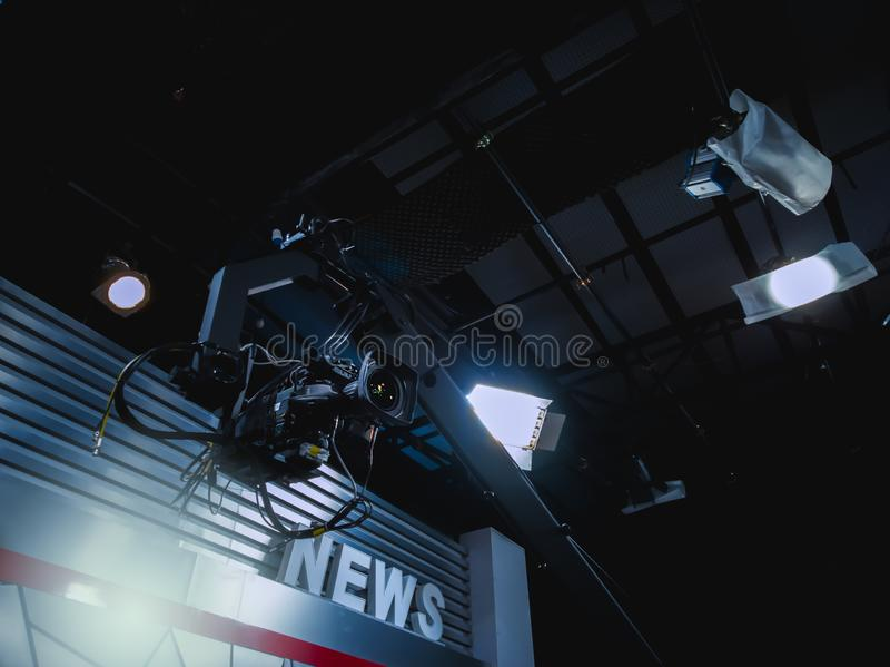 Videokameror i nyheternastudio royaltyfri foto
