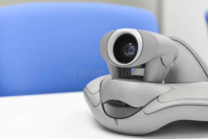 Videokonferenz-Gerät im Konferenzzimmer lizenzfreie stockbilder
