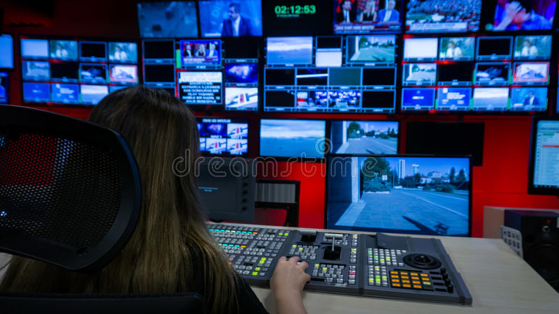 Videoswitcher en de Schermen in de Controlekamer van TV royalty-vrije stock foto