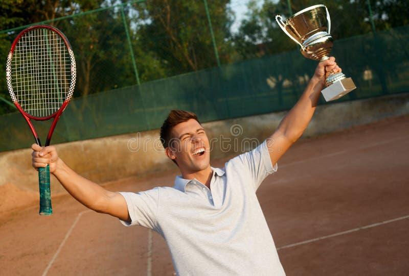 Videz de la victoire sur le court de tennis photographie stock