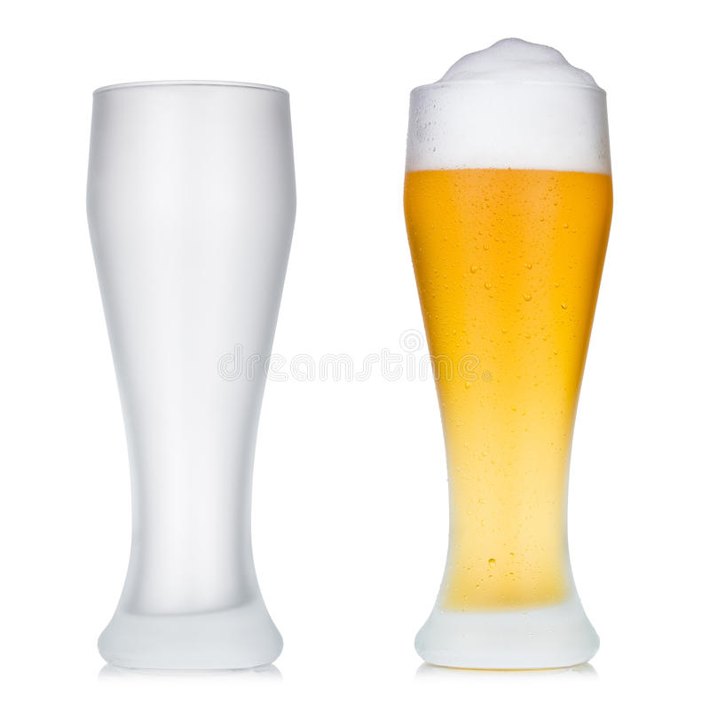 Videz et pleine glace de bière photo stock