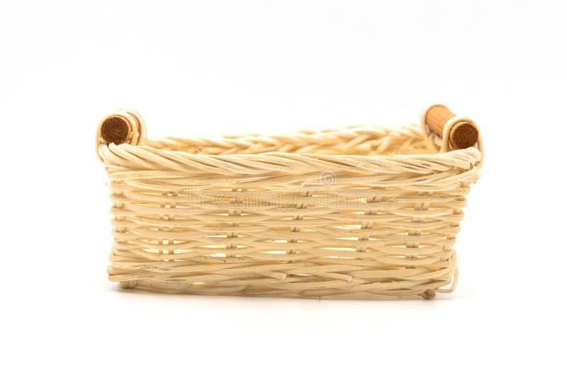 Videz le panier en osier, le fruit en bois ou le panier de pain sur le backg blanc photographie stock libre de droits