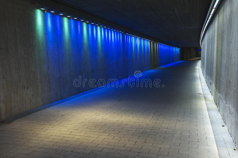 Videz le tunnel concret souterrain photos libres de droits