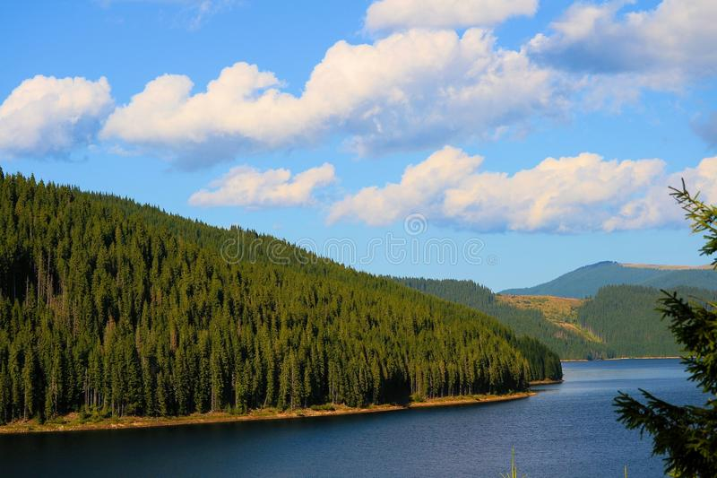 Vidra湖,喀尔巴汗Montains,罗马尼亚 免版税库存照片