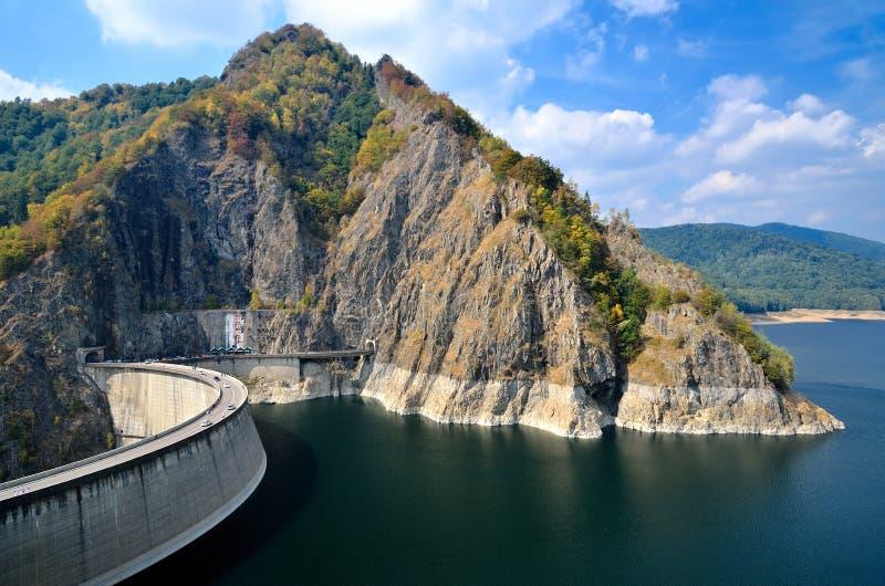 Vidraru Verdammung und See, Rumänien lizenzfreies stockfoto