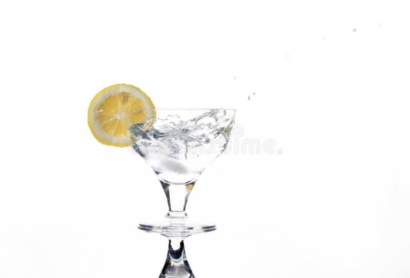 Vidrio con una bebida de restauración foto de archivo