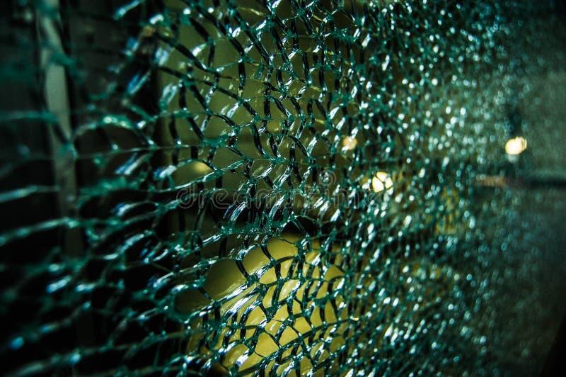 Vidrio dañado quebrado imágenes de archivo libres de regalías