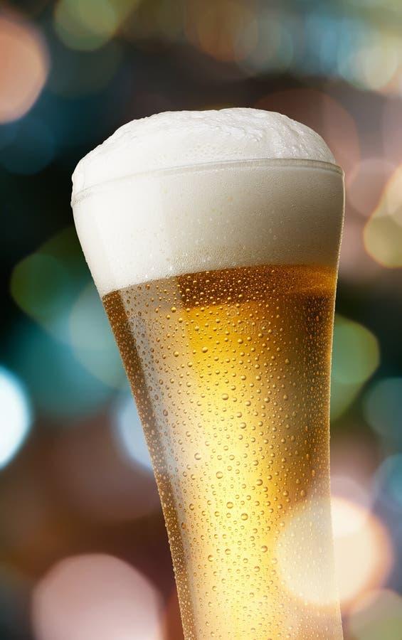 Vidrio de cerveza fotos de archivo