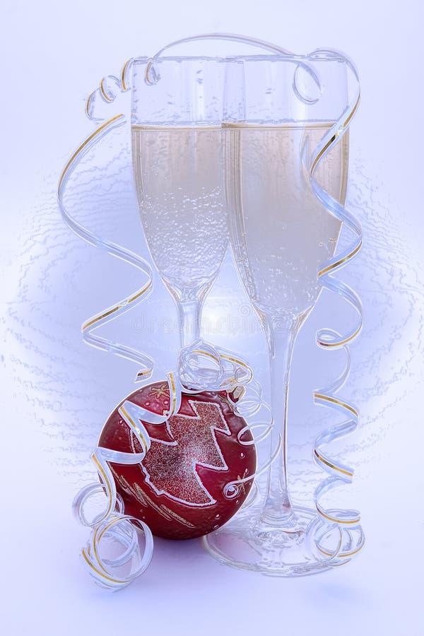 Vidrio de champán y de Años Nuevos de bola del rojo fotos de archivo