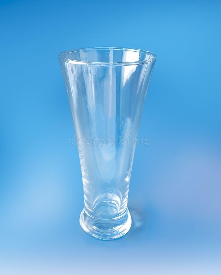 Download Vidrio De Coctel Alto En Fondo Azul Foto de archivo - Imagen de alto, bebida: 175270