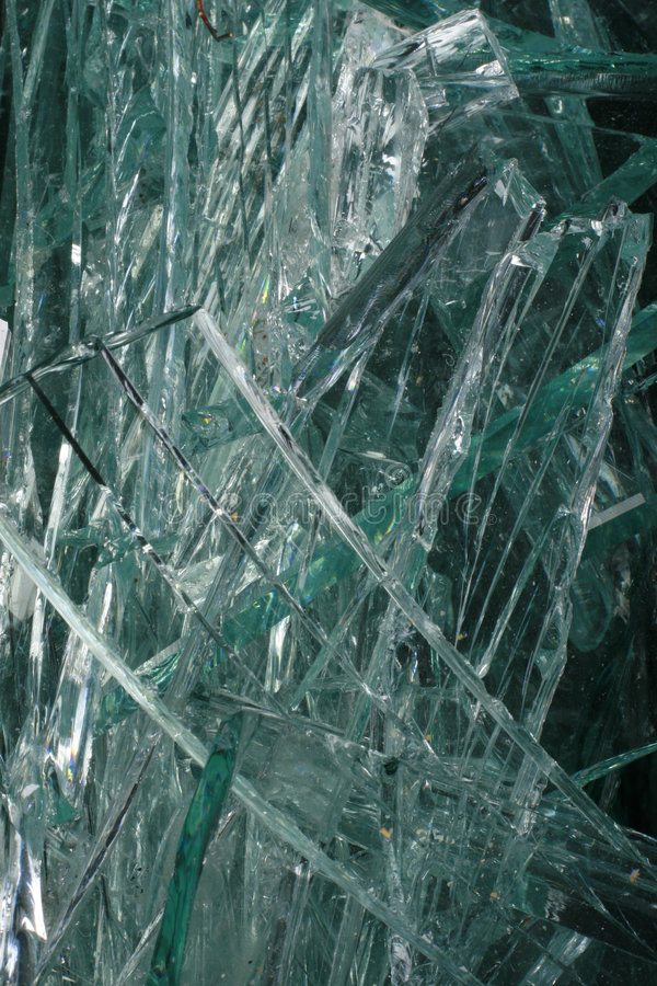 Vidrio de desecho verde imagen de archivo