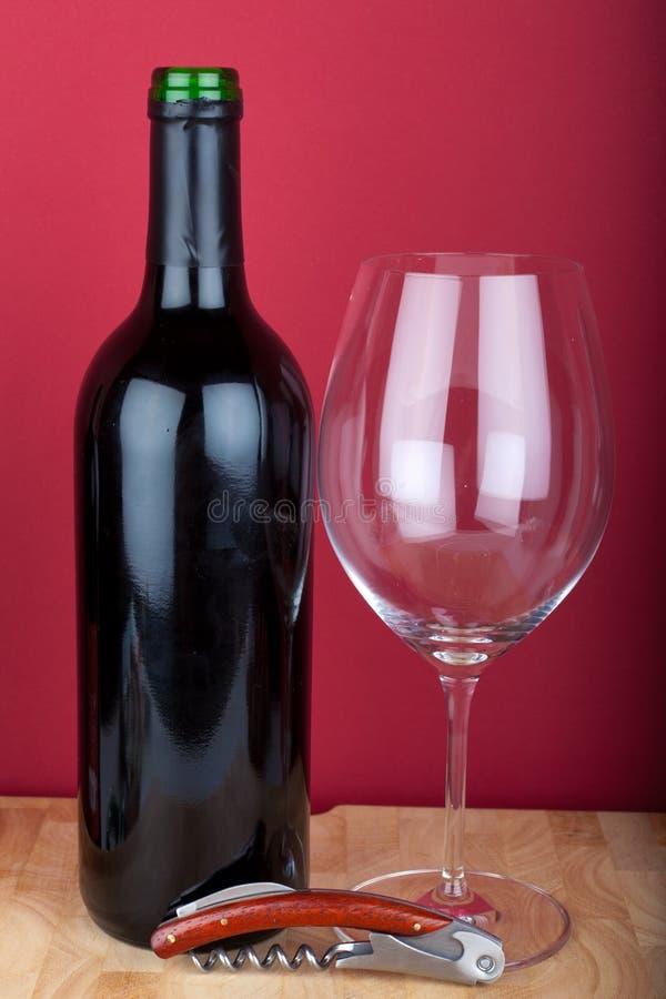Vidrio de la botella de vino y de vino fotos de archivo libres de regalías