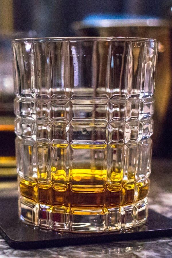 Vidrio del primer escocés o irlandés del whisky fotografía de archivo