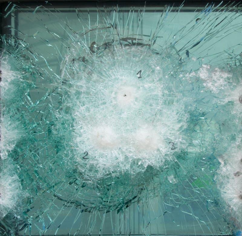 Vidrio roto experimentado una prueba de dureza foto de archivo