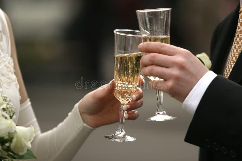 Vidrios con champán imagenes de archivo
