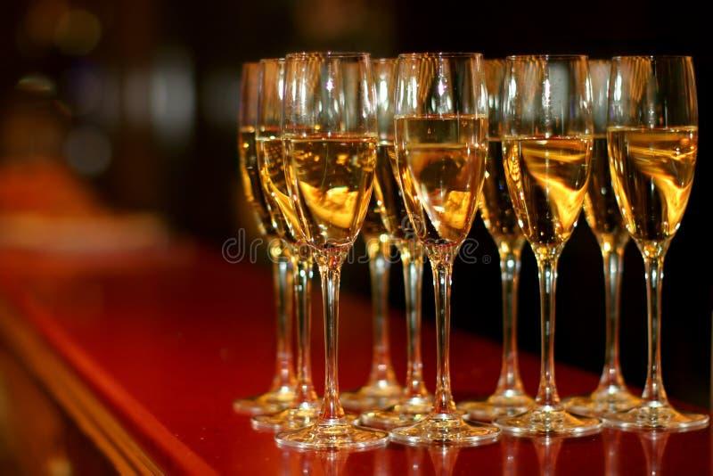 Vidrios con champán imagen de archivo libre de regalías
