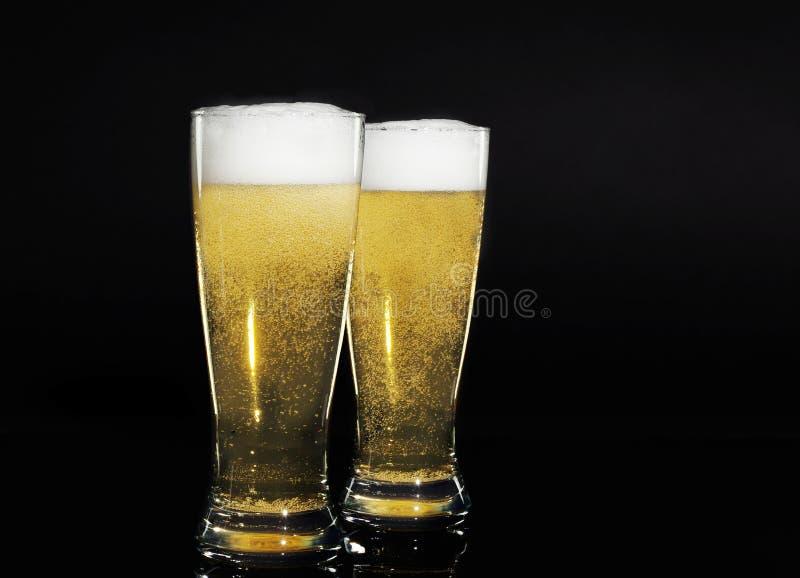 Vidrios de cerveza fotografía de archivo