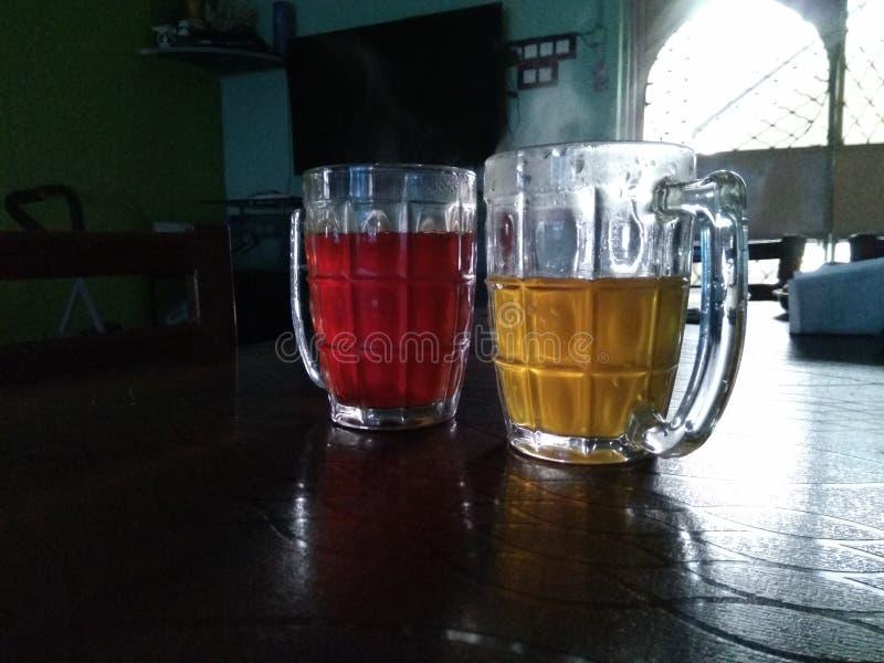 vidrios de la bebida de la salud imagen de archivo