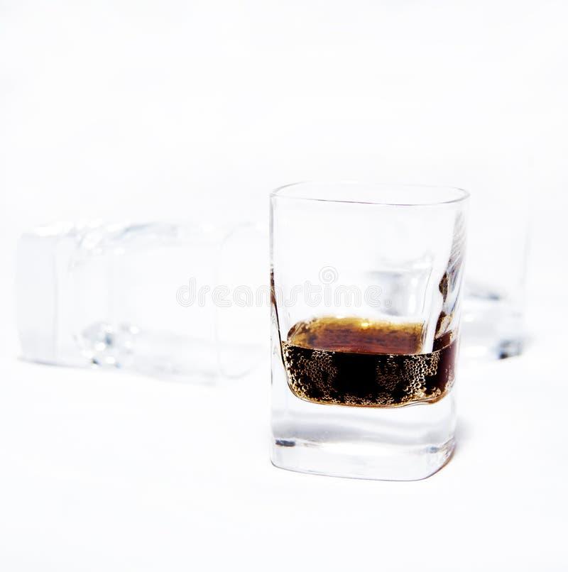 Vidrios del whisky fotos de archivo