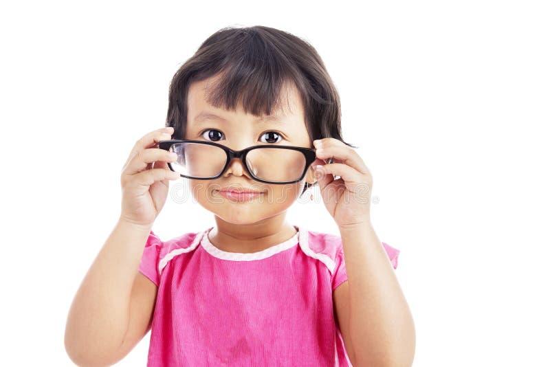 Vidrios que desgastan de la niña fotos de archivo libres de regalías