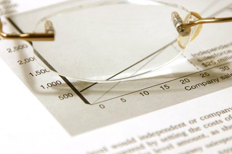 Vidrios y el presupuesto foto de archivo libre de regalías