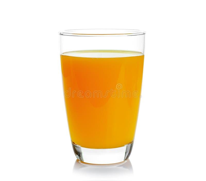 Vidro completo do suco de laranja no fundo branco fotos de stock