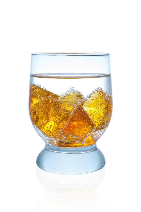 Vidro da água com gelo fotografia de stock