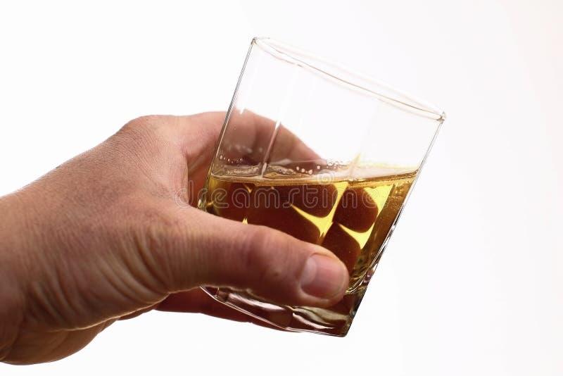 Vidro da bebida - apego de álcool - problema social - alcoolismo fotografia de stock royalty free