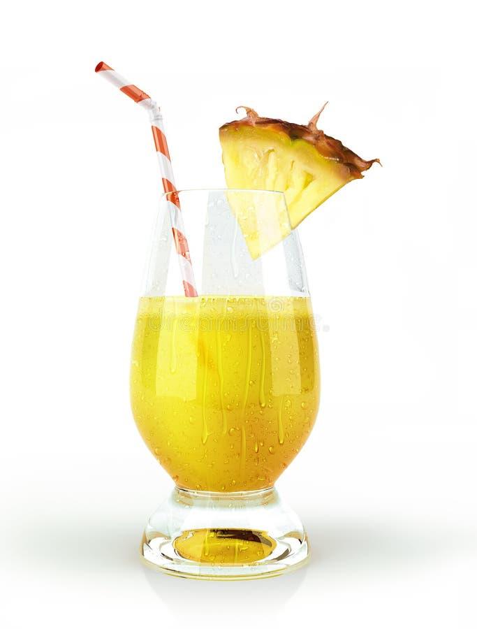 Vidro da bebida do abacaxi, com um pedaço do fruto e uma palha. foto de stock royalty free