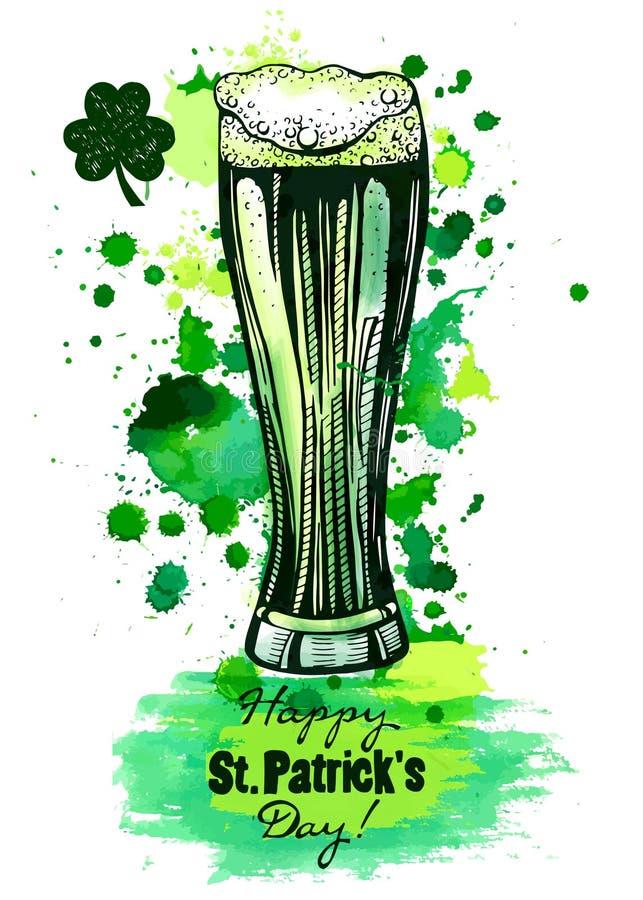 Vidro da cerveja verde, rotulação do dia do ` s de patrick imagem de stock royalty free