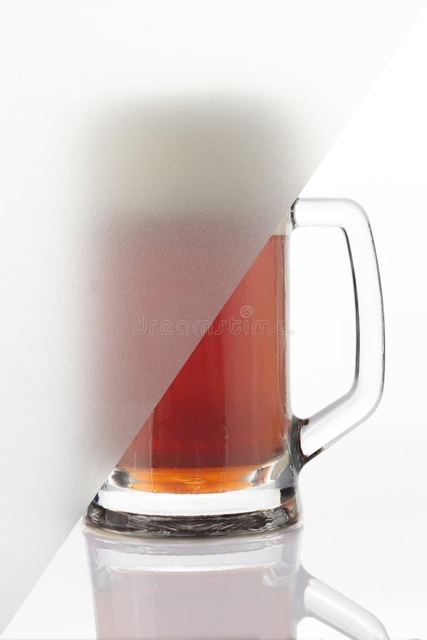 Vidro de cerveja e vidro geado fotos de stock