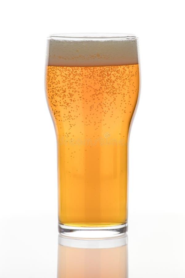 Vidro de cerveja enchido com Amber Lager foto de stock