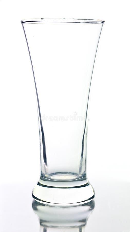 Vidro de cerveja vazio isolado no fundo branco. fotografia de stock royalty free