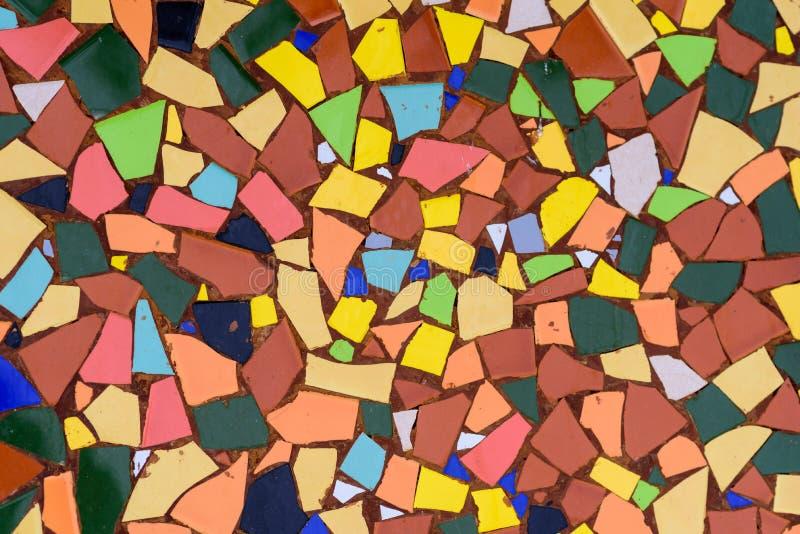 Vidro de mosaico da arte Trencadis coloridos, mosaico quebrado das telhas da textura foto de stock royalty free