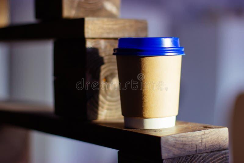 Vidro de papel para bebidas caf? ou ch? fotos de stock