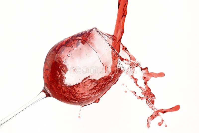 Vidro dentro derramado vinho tinto fotografia de stock