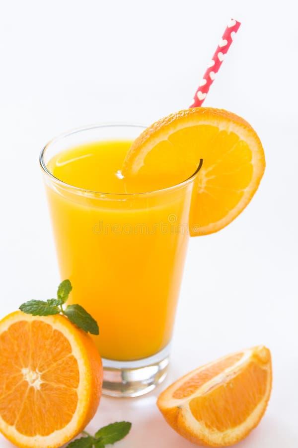 Vidro do café da manhã Juice Isolated alaranjado no branco imagens de stock royalty free