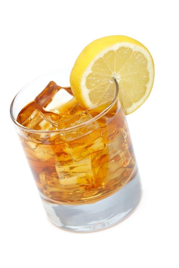 Vidro do chá de gelo com limão fotografia de stock