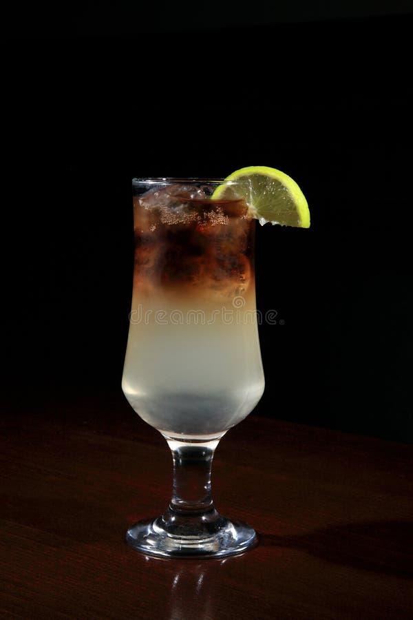 Vidro do cocktail do Long Island imagem de stock