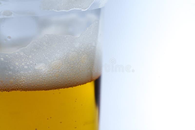Vidro do fim da cerveja acima fotografia de stock royalty free