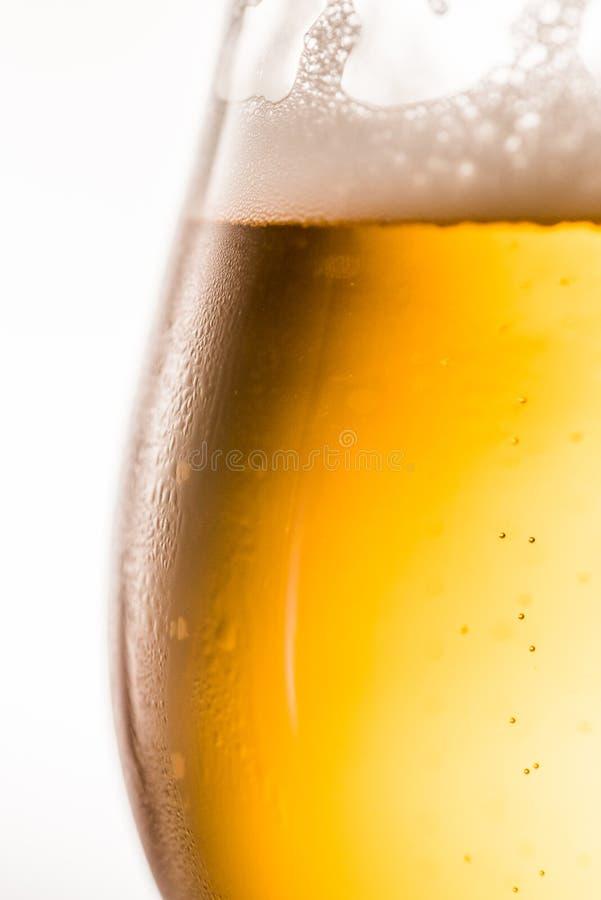 Vidro do fim da cerveja acima imagens de stock