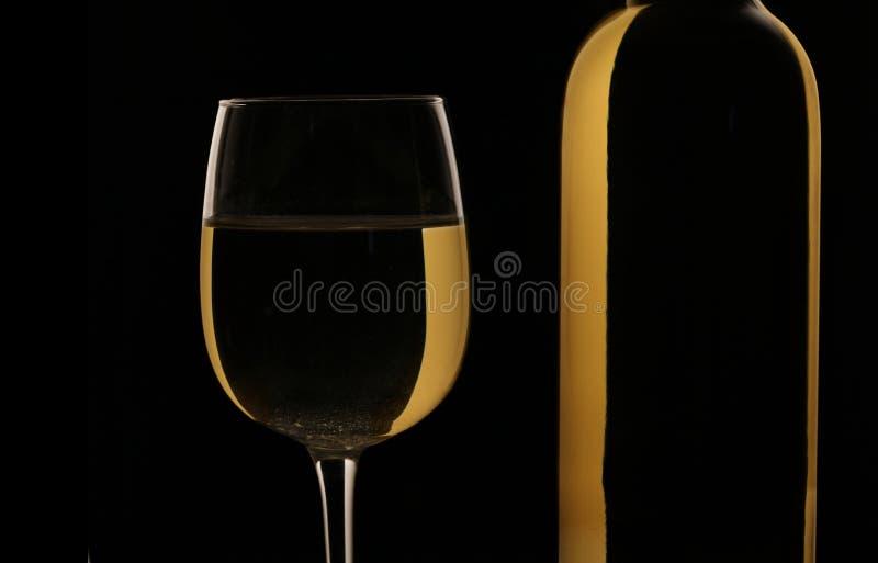 Vidro e frasco do vinho branco fotos de stock royalty free