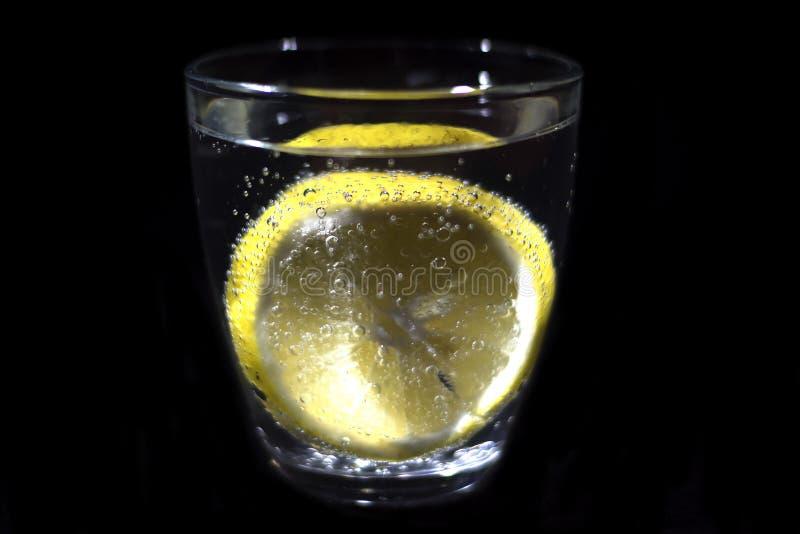 Download Vidro e limão da soda foto de stock. Imagem de saudável - 80100858